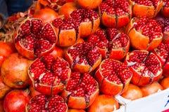 Granatowiec owoc, bogactwa pomegr/Rubinowy czerwieni, wyśmienicie i odżywki, zdjęcia stock