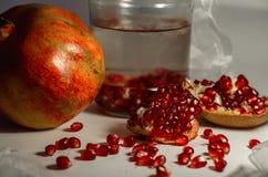 Granatrött är elixir av ungdom, hälsa och skönhet Arkivfoto