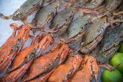 Granchio crudo fresco del fiore al mercato dei frutti di mare Immagine Stock Libera da Diritti