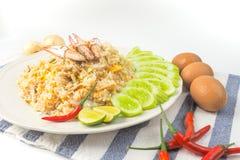 Granchio Fried Rice su fondo bianco fotografie stock