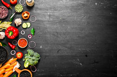 Grand aliment biologique d'ensemble Légumes crus frais photos stock