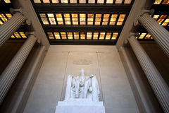 Grand-angulaire intérieur du Lincoln Memorial Image stock