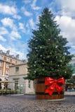 Grand arbre de Noël grand à Londres Image libre de droits