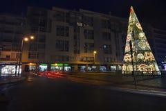 Grand arbre de Noël dans la ville de Faro Photo libre de droits
