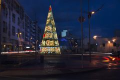 Grand arbre de Noël dans la ville de Faro Photographie stock