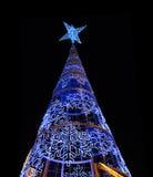 Grand arbre de Noël la nuit en Séville, Espagne Photographie stock libre de droits