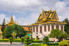 Grand architecture and beautiful garden Royalty Free Stock Photos