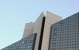 grand bâtiment de triangle de perspective Photographie stock libre de droits