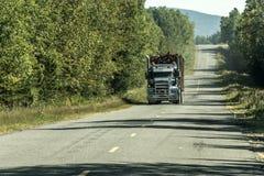 Grand bois mobile de notation de route de camion de Canada Ontario Québec d'usine de champ de récolte photographie stock