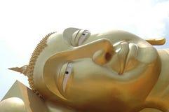 Grand Bouddha dans le temple thaïlandais Photos libres de droits