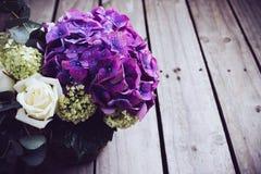 Grand bouquet des fleurs fraîches Photos stock