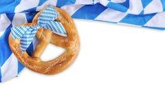 Grand bretzel mou bavarois d'Oktoberfest Photographie stock libre de droits