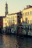 Grand Canal av Venedig i aftonen Royaltyfri Foto