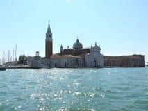 Grand Canal com St marca a torre de sino do Campanile e o Palazzo Ducale, palácio do doge, em Veneza, Itália imagem de stock royalty free