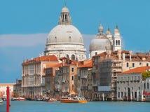 Grand Canal en Basiliek Santa Maria, Venetië Stock Foto's