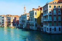 Grand Canal en oude gebouwen in Venetië, Italië, Europa stock afbeeldingen