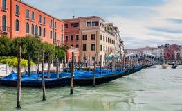 Grand Canal en Rialto overbruggen in Venetië, Italië Royalty-vrije Stock Foto