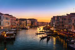 Grand Canal från den Rialto bron, Venedig Arkivfoto