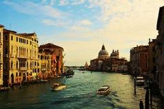 Grand Canal i tappningtoner, i Venedig, Italien royaltyfria bilder