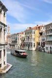 Grand Canal i Venedig från den Rialto bron Royaltyfria Bilder