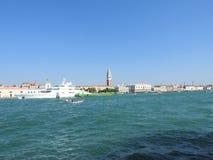 Grand Canal met St merkt Campanile klokketoren en Palazzo Ducale, Dogepaleis, in Venetië, Italië stock fotografie