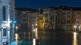 Grand Canal nel timelapse di Venezia, Italia alla notte video d archivio