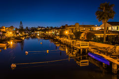 The Grand Canal at night, on Balboa Island, in Newport Beach  Stock Images