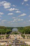 Grand Canal och den Latona springbrunnen, Versailles, Frankrike Arkivbild