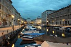 Grand Canal van Triëst aan schemer royalty-vrije stock fotografie