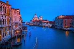 Grand Canal in Venetië, Italië, bij nacht Stock Afbeelding