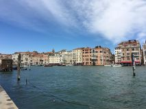 Grand Canal a Venezia, Italia con architettura dello stucco Immagine Stock