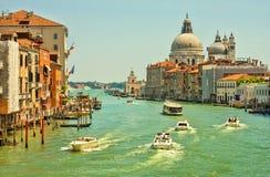 Grand Canal y basílica St Mary de la salud Italia Imagen de archivo