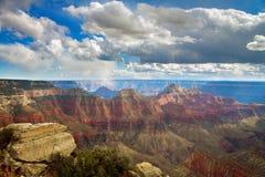 Grand Canyon Angel Trail Overlook Snow Flurries brillante Fotos de archivo libres de regalías