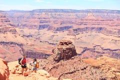Grand Canyon augmentant des personnes Images stock