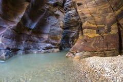 Grand Canyon de Jordania, reserva natural del mujib del al del lecho de un río seco Imagen de archivo libre de regalías