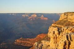 Grand Canyon an der Dämmerung Stockbilder