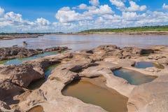Grand Canyon -het verbazen van rots in Mekong rivier, Ubonratchathani Royalty-vrije Stock Fotografie