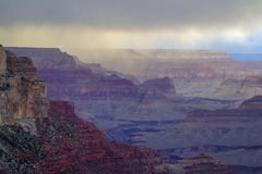 Grand Canyon i storm Royaltyfri Bild