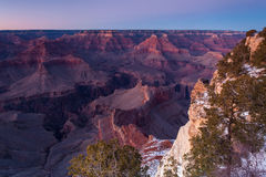 Grand Canyon no inverno no crepúsculo Fotografia de Stock