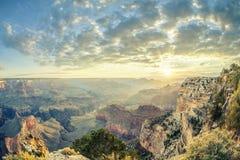 Grand Canyon och soluppgång Royaltyfria Bilder