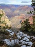Grand Canyon på en snöig dag Arkivfoto