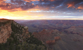 Grand Canyon på solnedgången arkivbilder