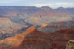 Grand Canyon -Panoramablick mit Klippen lizenzfreies stockfoto