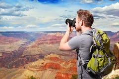 Grand Canyon -reis Jonge mens Royalty-vrije Stock Foto's
