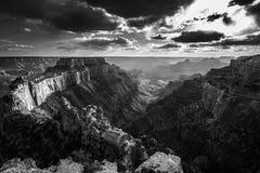 Grand Canyon Rim Cape Royal Overlook du nord au coucher du soleil Wotans Thro Photographie stock
