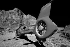 Grand Canyon sikt av helikoptrar Royaltyfria Bilder