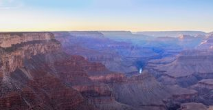 Grand Canyon -Sonnenaufgang vom Hermest-Hinterpunkt stockfotos