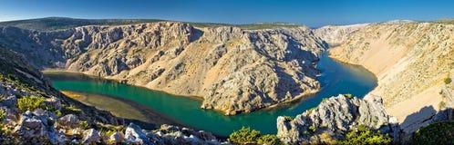Grand Canyon von Zrmanja Fluss panoramisch stockfotos