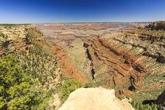 Grand Canyon, zuidenrand, zonnige dag met blauwe hemel Royalty-vrije Stock Afbeeldingen