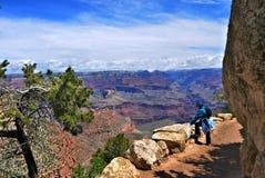 Grand Canyonfotvandrare fotografering för bildbyråer